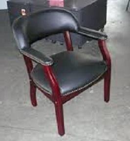 boss-captains-chair-in-black-vinyl-3